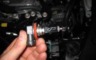 💡Как поменять лампу ближнего света на Toyota Camry V50