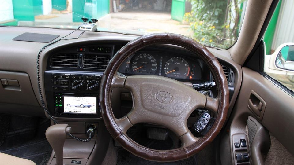 Салон автомобиля третьего поколения