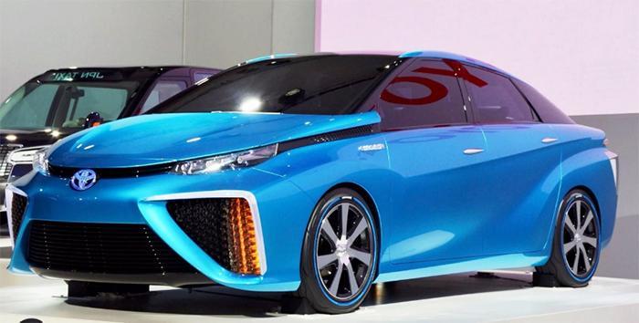 Тойота Камри 2020